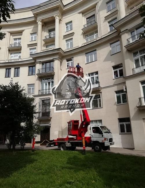 Фасадные работы с автовышки